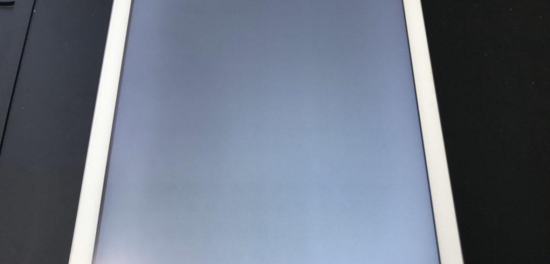 修理前のiPad Air