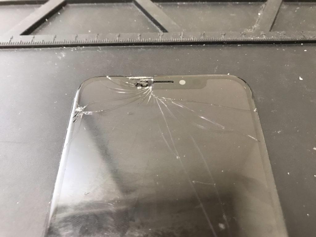 修理前のiPhoneX