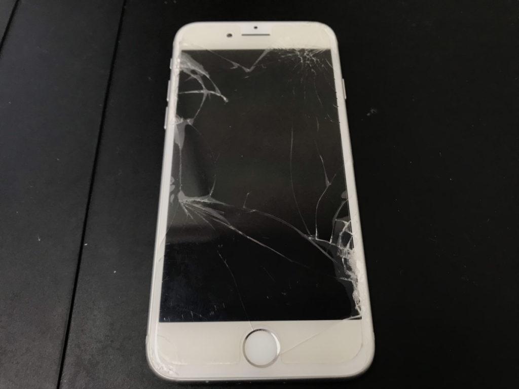 修理前のiPhone8