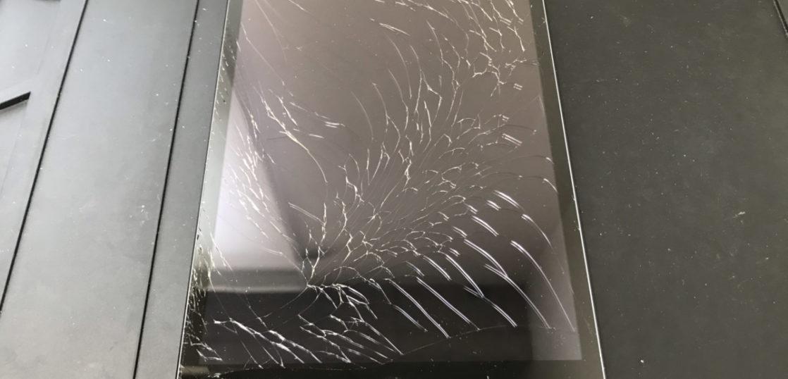 修理前のiPad mini2