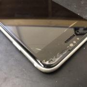 画面修理前のiPhoneSE2