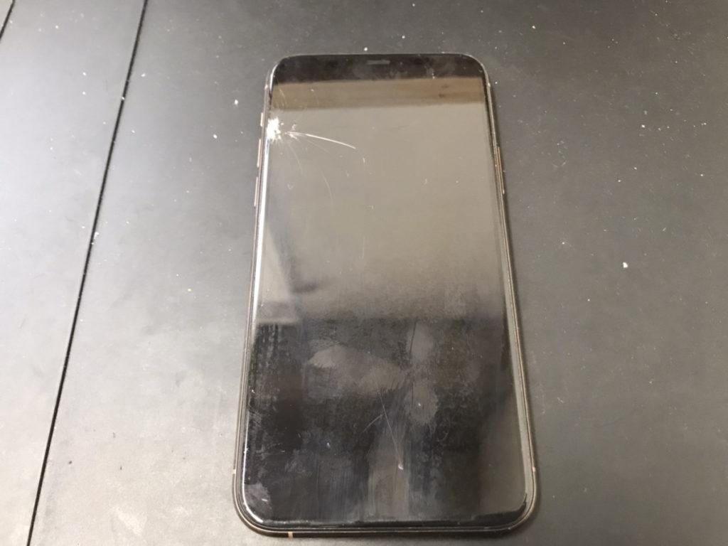 画面修理前のiPhone11Pro