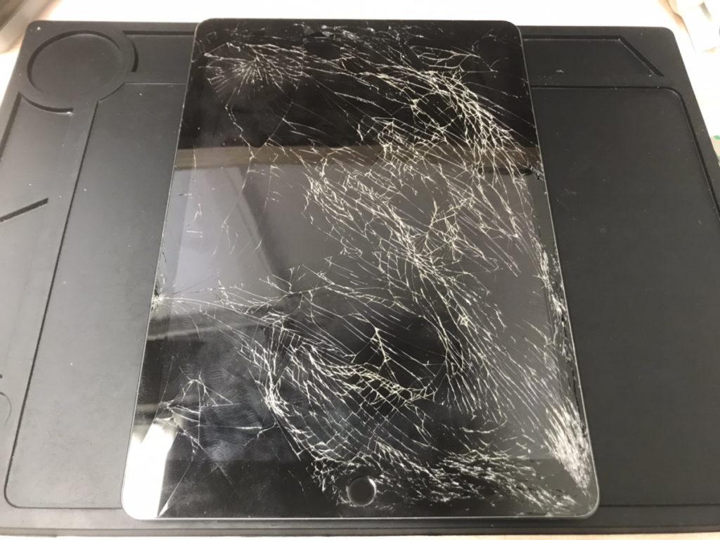 画面修理前のiPad第8世代