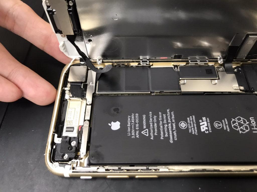 分解時のiPhone7