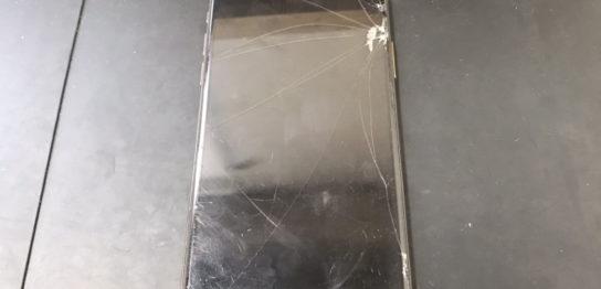 水没修理前のiPhoneXS