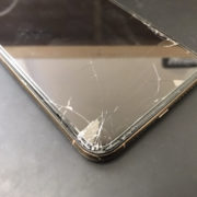 画面修理前のiPhoneXSMax