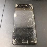 画面修理前のZenfone4Max