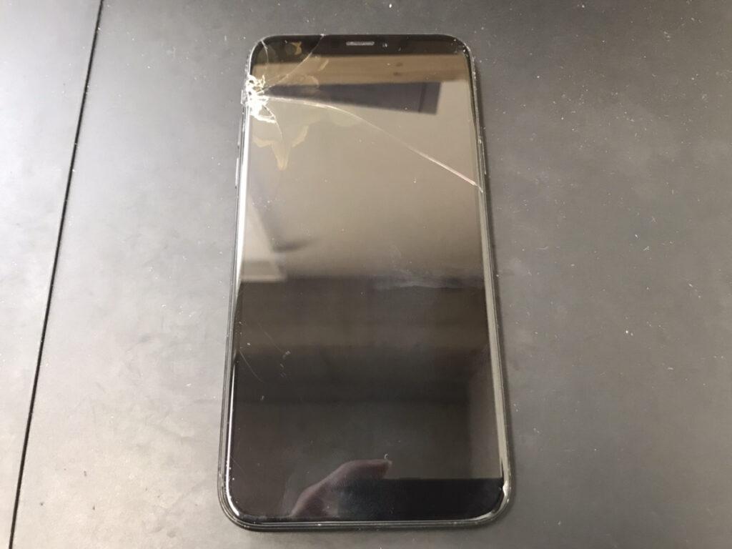 ブラックアウトしたiPhoneX