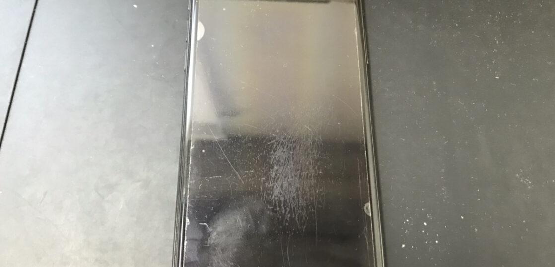 画面修理前のiPhoneX