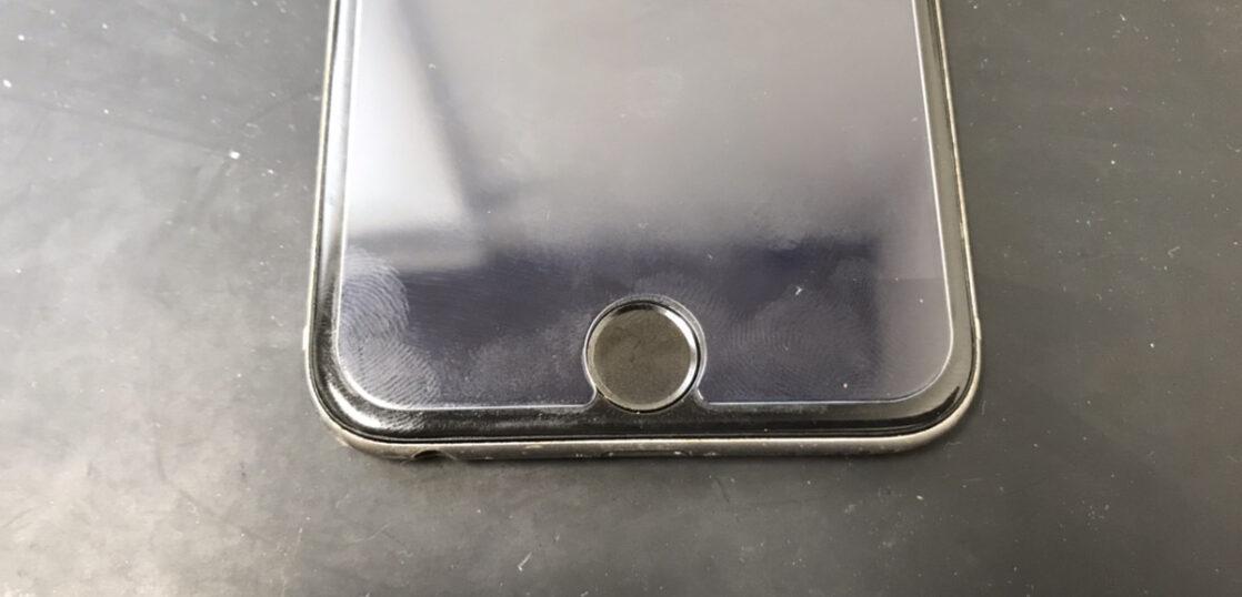ホームボタン修理前のiPhone6